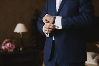 close-view-luxury-watches-hand-businessm