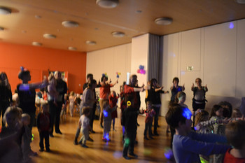 Kinderdisco mit Pyjama party