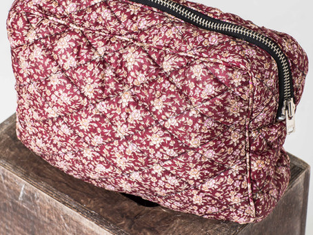 Why do you have to own a versatile vintage silk washbag?