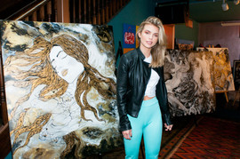 AnnaLynne McCord at Art for Heart event