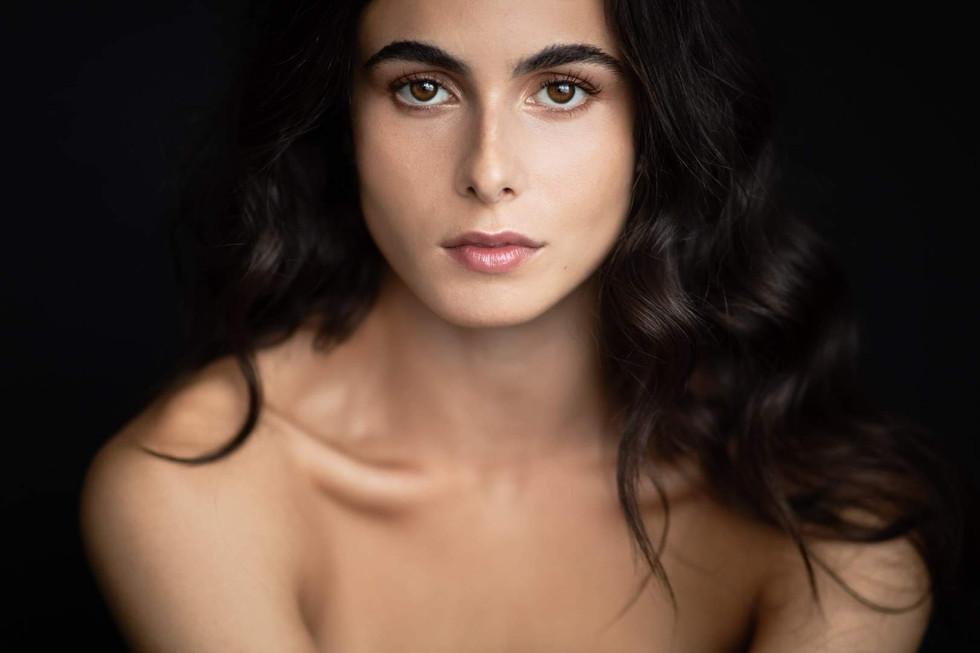 Mpdèle: Essia Ben Ayed Maquillage: Chantal Dubois
