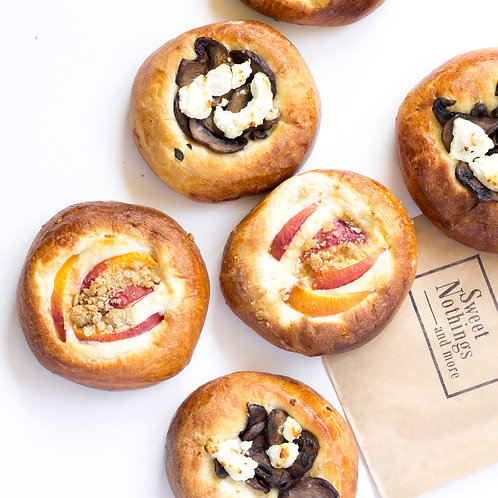 Pick up only Tomato Brioche with Pimento cheese and Olives