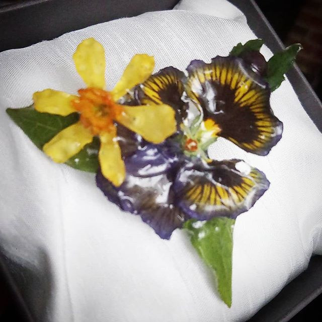 Pansies and narcissi... #floralembelishm