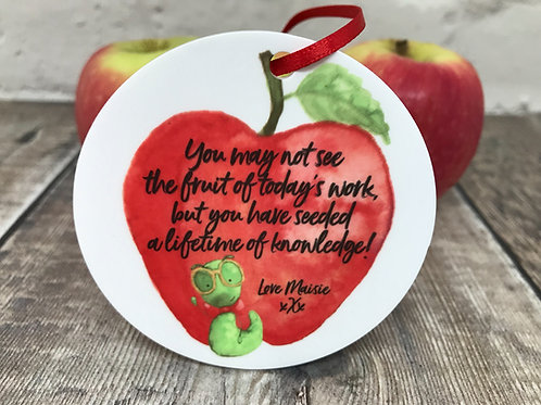 Teacher fruit of knowledge quote on disc