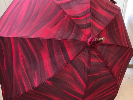 こちらの日傘を展示販売していただいてます!