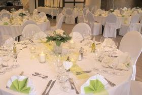 Saal mit Hussen für Ihre Hochzeit nahe Wedel