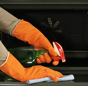 Why Its Important to Clean Your Oven Regularly!