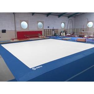 Spieth America - Recouvrement bicolore pour praticable (13m x 13m)