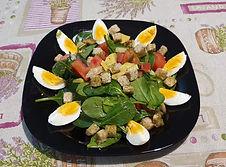 салата_спанак_авокадо_яйца.jpg