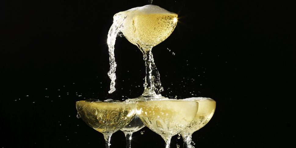 Пирамида шампанского