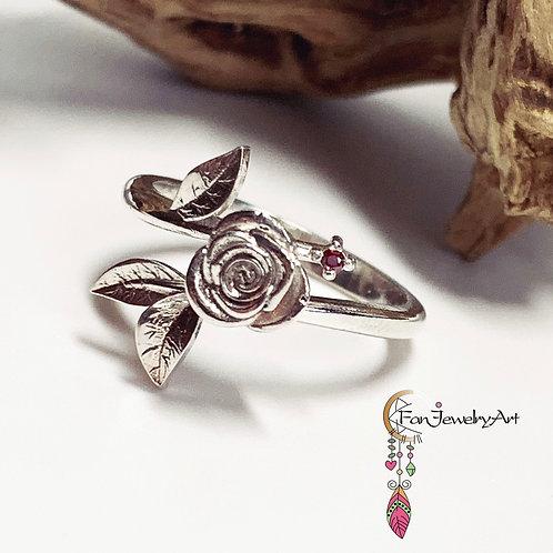 Rose Ring with garnet