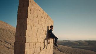 Louis Tomlinson 'Walls'