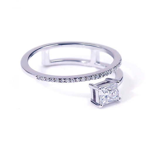 0.65ct DEW Princess Cut Shooting Star Moissanite Ring