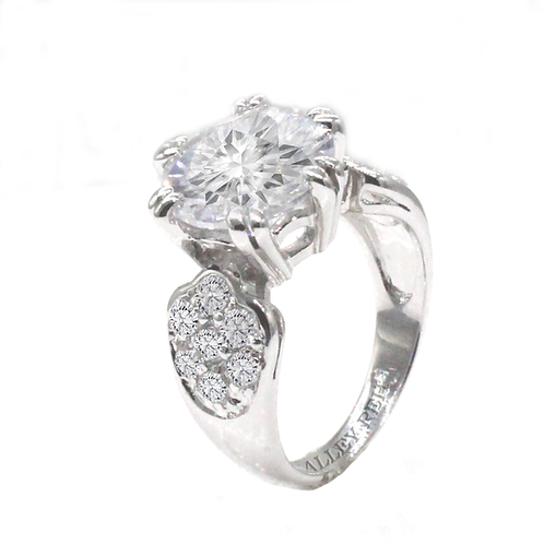1 carat Round Brilliant Cut Moissanite Engagement Ring with Cluster Accents