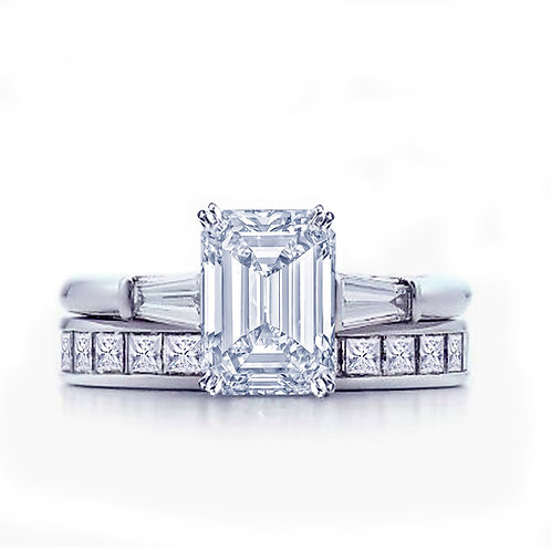 Extra Ordinary Emerald Cut Engagement Ring and Princess Cut Eternity Wedding Band