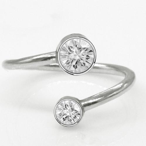 1 carat Toi Et Moi Round Brilliant Cut Moissanite Engagement Ring