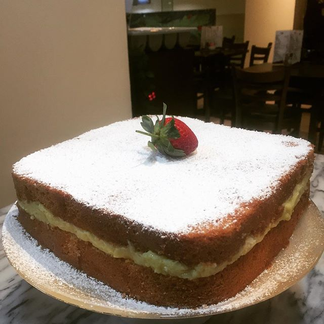 Homemade Icing sugar custard cake #honemadecake #vanillacake #qualityfood