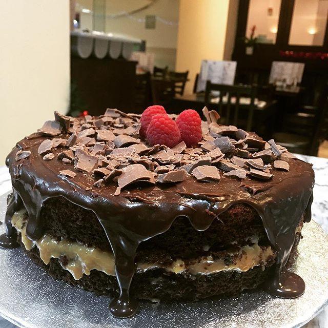 "New Year's Eve ""pão de mel"" cake order done ✅😋👏😍 #delicious #braziliancake #leocafe"