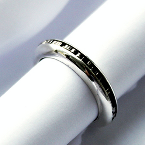Open-Hinged Hidden Message Ring