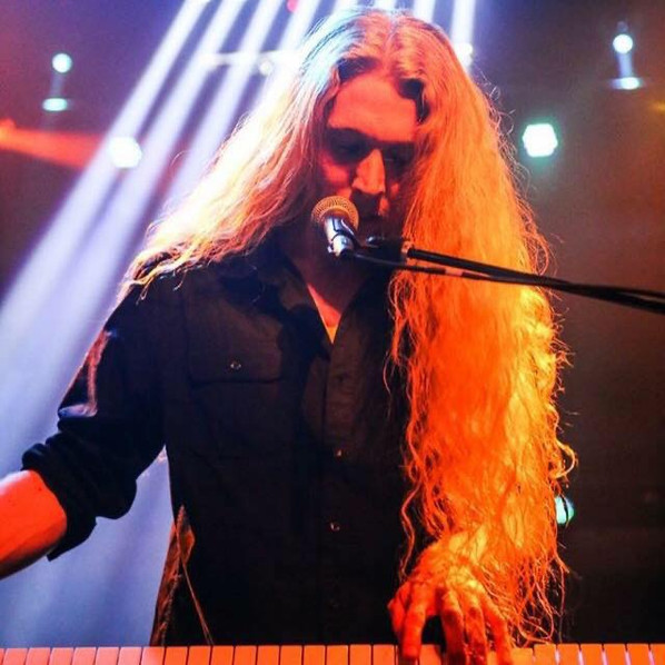 Niviane announces new keyboardist