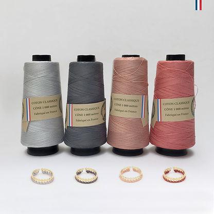 Chaque bijou Christelle dit Christensen est dessiné et fabriqué en FRANCE. Les tissages sont réalisés avec des fils de coton de fabrication française.