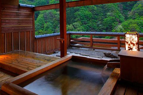 ④-2-2 露天風呂付き檜.jpg