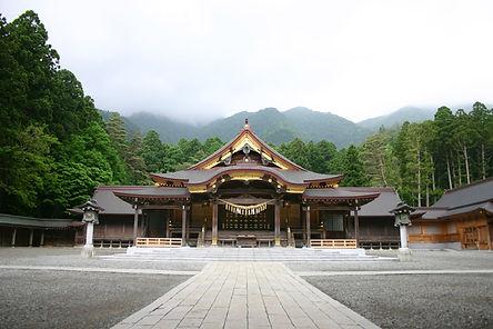 燕三条弥彦神社.jpg
