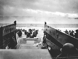 1024px-1944_NormandyLST.jpg