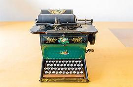 Sholes_and_Glidden_Schreibmaschine_01.jp