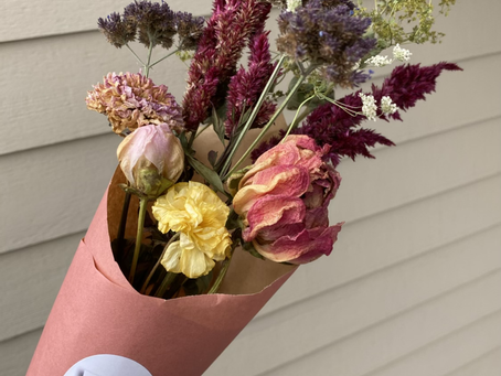 FREE dried flower bouquet with purchase of our CSA's for holiday giving!!