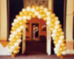 Helium balloon swirl arch is the perfect entrance to your wedding reception, we can colour match the balloons to tie into your wedding colour theme, it can also be placed behind your top table