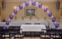 Helium balloon arch is the perfect entrance to your top table at your wedding reception, we can colour match the balloons to tie into your wedding colour theme.