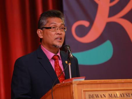 TYT DUTA BESAR MALAYSIA MENYEMPURNAKAN PERASMIAN PAMERAN KHAT MAHASISWA MALAYSIA MESIR