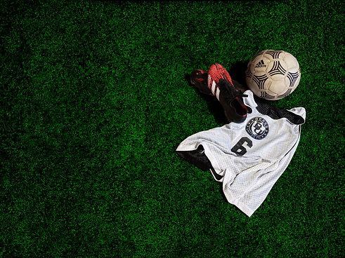 BUFC white pinnie ball cleats.png