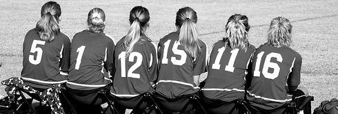 soccer-girls-sitting-on-bench-081616_edi