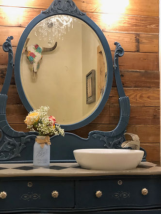 All Rustic Venues need an eclectic bridal suite restroom, JM Prosperity Farm Rustic Barn Venue