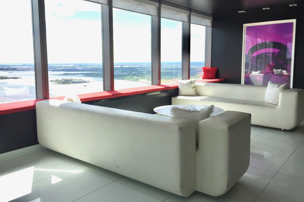 W Hotel Residences Lounge