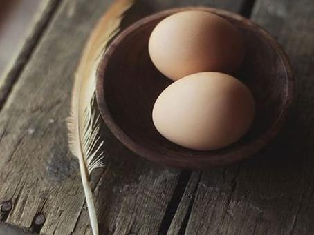Incantesimo di prosperità e abbondanza con le uova.