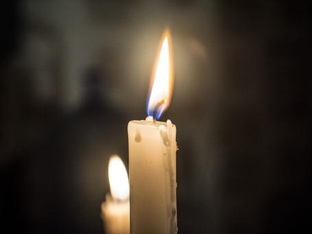 Unzione delle candele magiche.