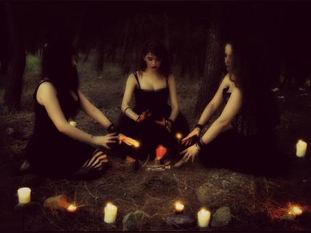 Le posizioni delle candele nei rituali.