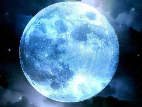 Come ricaricare i cristalli con l'aiuto della luna.