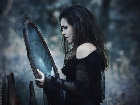 Lo Speculum: Lo specchio nero.