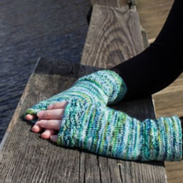 Along the Shores Fingerless Mitts