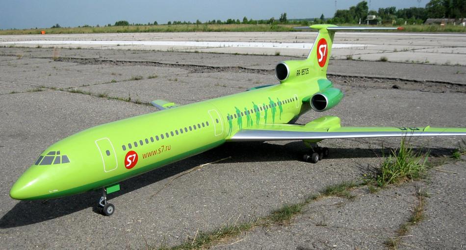 Ту-154 на стоянке.jpg