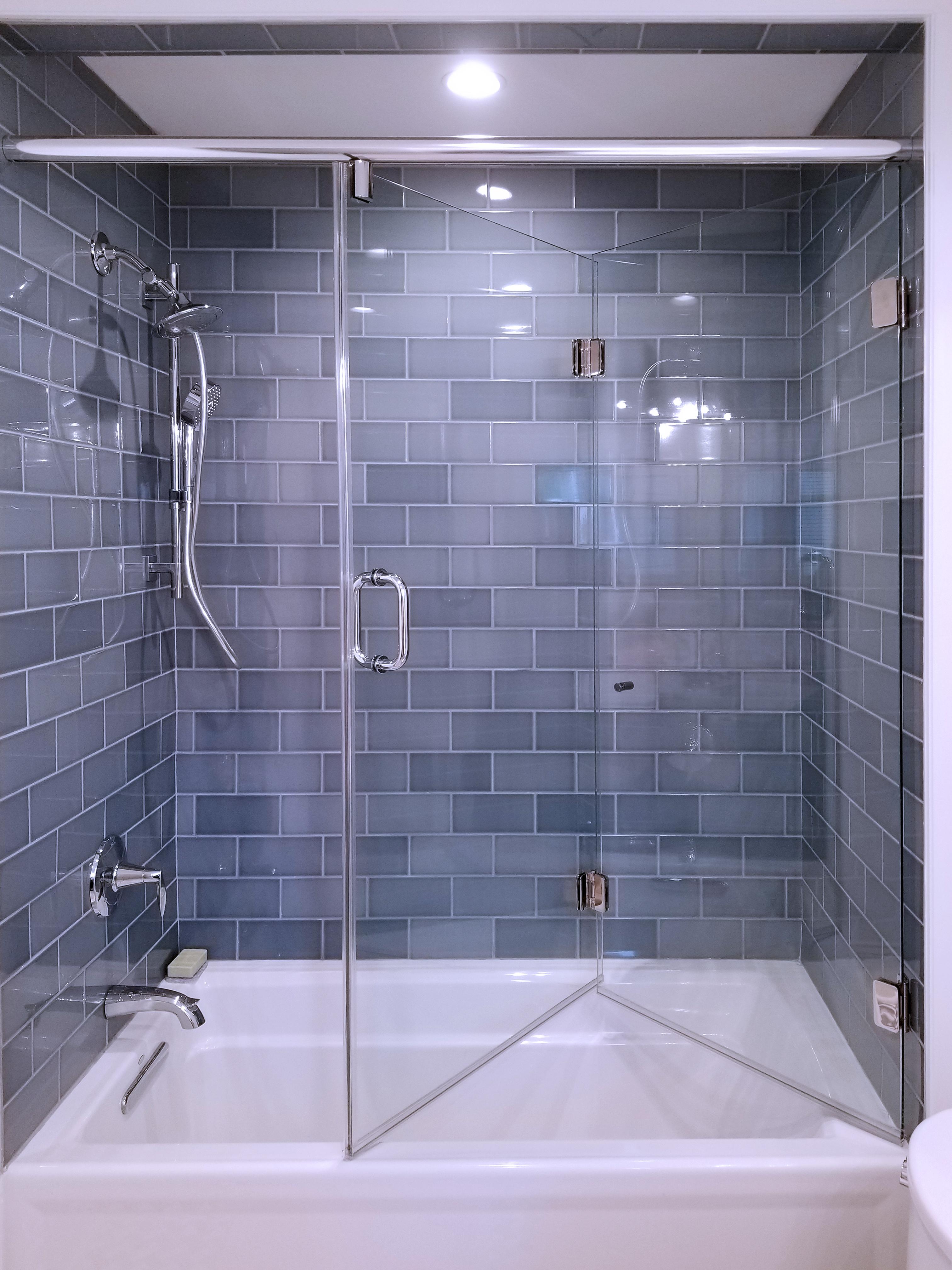 23 - Bi-fold shower door