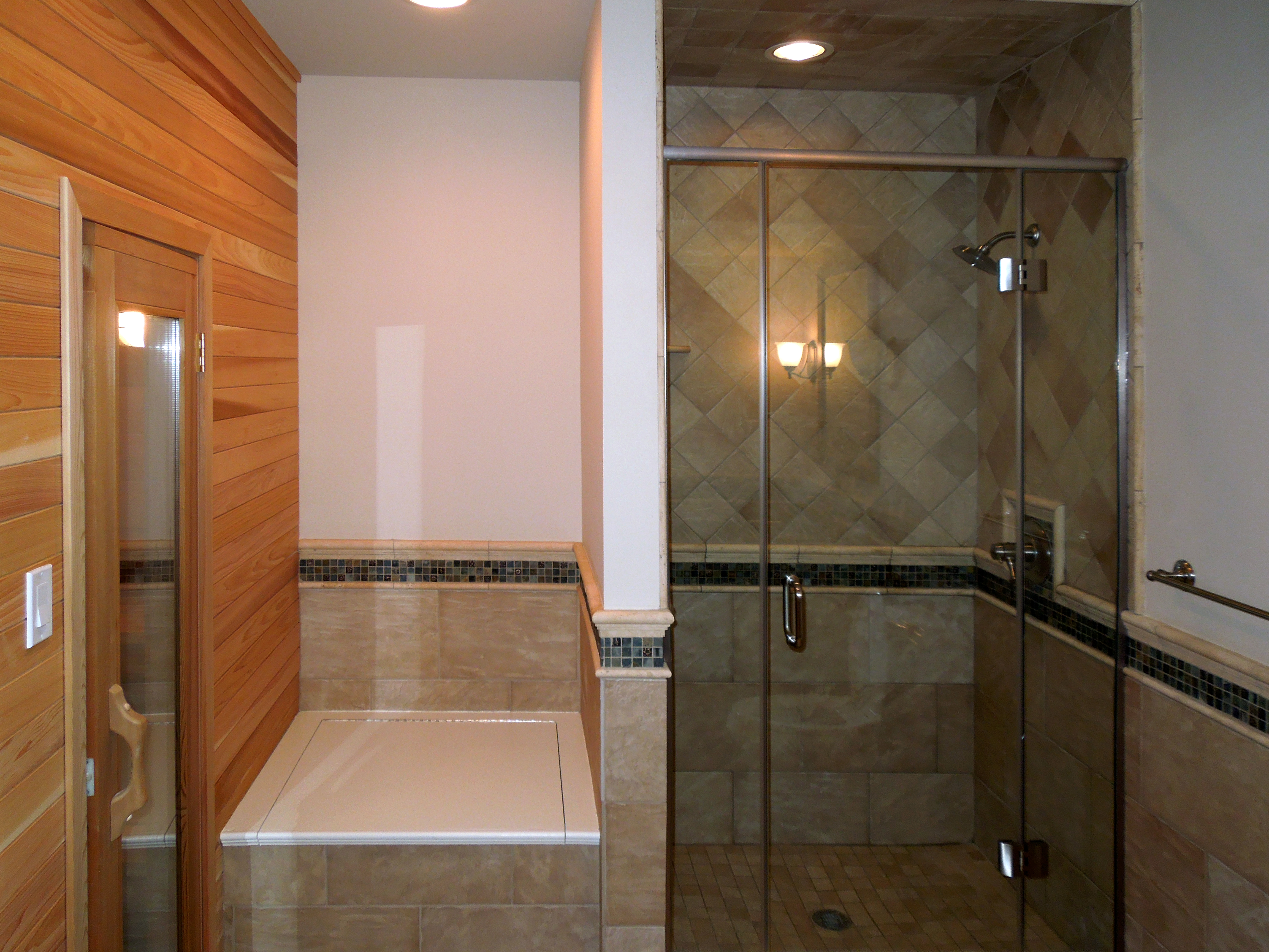 13 - Frameless shower door