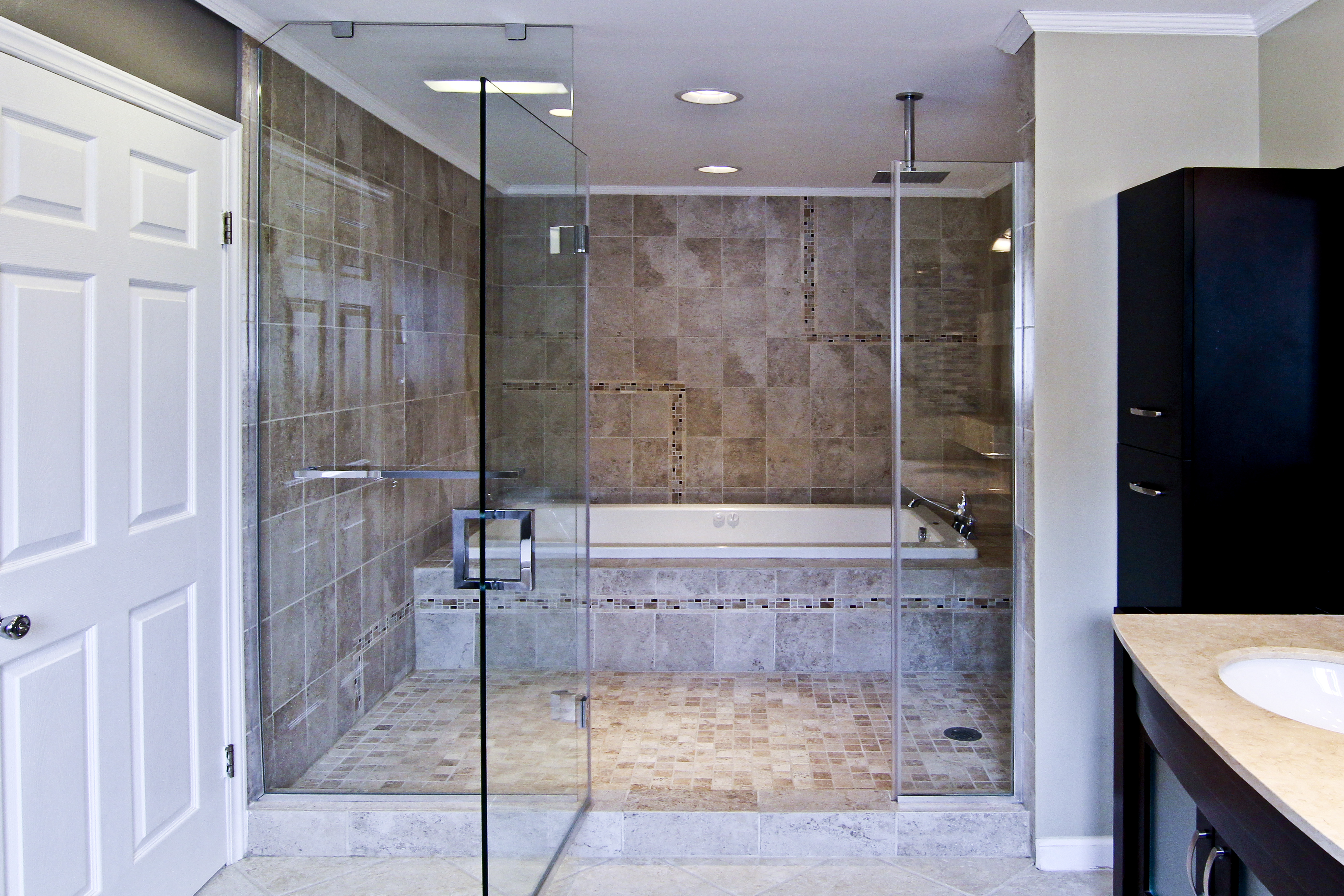 1- Frameless shower door