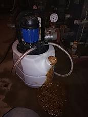 Безразборная промывка теплообменников Машимпекс,на этой картинке мы видим что подобранный нашей компанией реагент хорошо работает