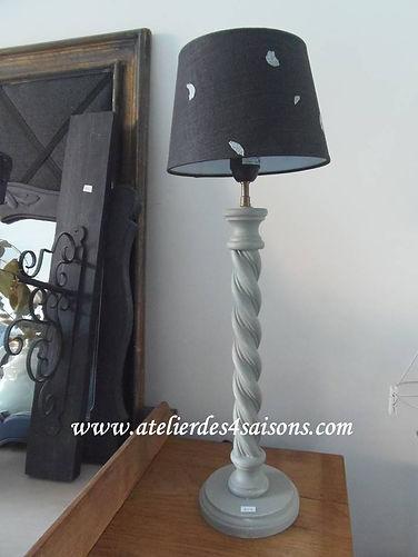 Lampe patinée vert de  gris Atelier des