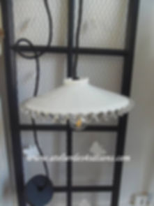 Suspension cordon noir et coupelle blanc